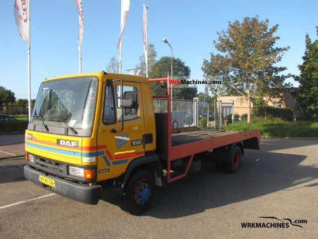 1991 DAF F 1000 1000 Van or truck up to 7.5t Car carrier photo