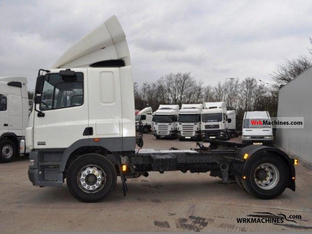 2003 DAF CF 85 85.380 Semi-trailer truck Standard tractor/trailer unit photo