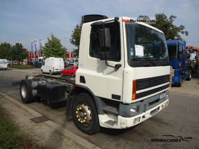 2000 DAF 75 CF 75 CF 320 Truck over 7.5t Chassis photo