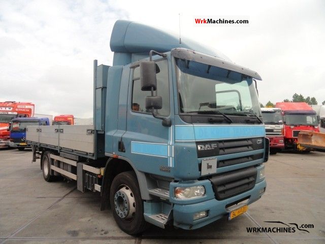 2001 DAF CF 65 65.220 Truck over 7.5t Stake body photo