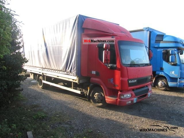 2004 DAF LF 45 45.170 Truck over 7.5t Stake body and tarpaulin photo