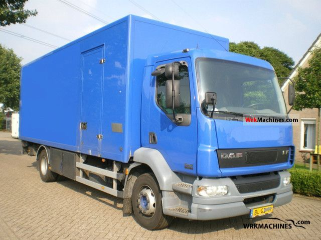 2001 DAF LF 55 180 Truck over 7.5t Box photo