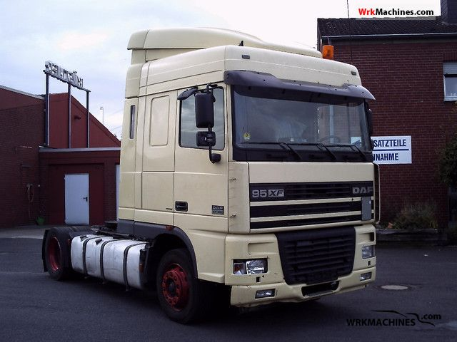 2002 DAF XF 95 95.480 Semi-trailer truck Standard tractor/trailer unit photo