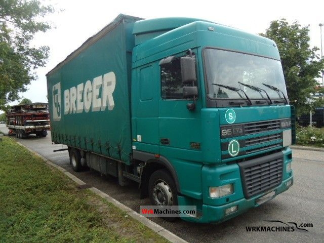 2001 DAF 95 XF 95 XF 430 Truck over 7.5t Stake body and tarpaulin photo