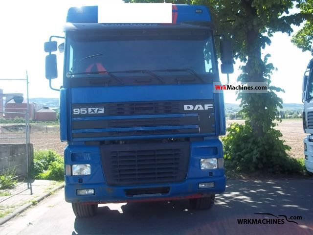 2002 DAF XF 95 95.430 Truck over 7.5t Stake body photo