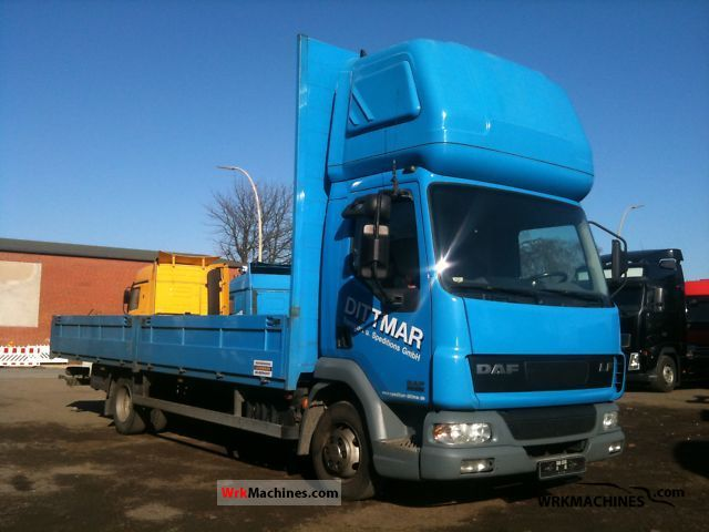 2006 DAF LF 45 45.220 Van or truck up to 7.5t Stake body photo