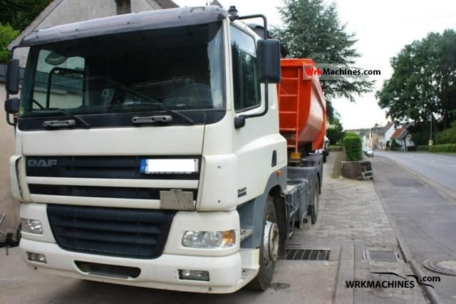 2004 DAF CF 85 85.430 Semi-trailer truck Standard tractor/trailer unit photo
