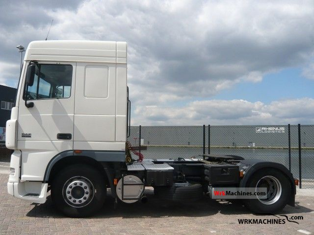 2004 DAF XF 95 95.380 Semi-trailer truck Standard tractor/trailer unit photo