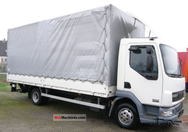 2006 DAF LF 45 45.220 Van or truck up to 7.5t Stake body and tarpaulin photo