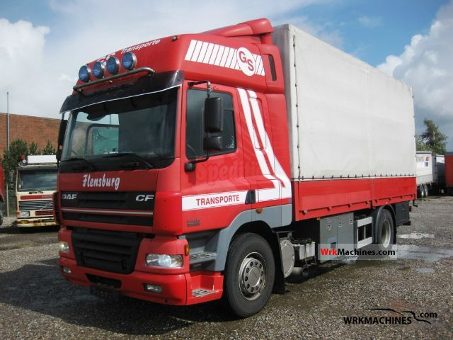 2001 DAF CF 85 85.430 Truck over 7.5t Stake body and tarpaulin photo