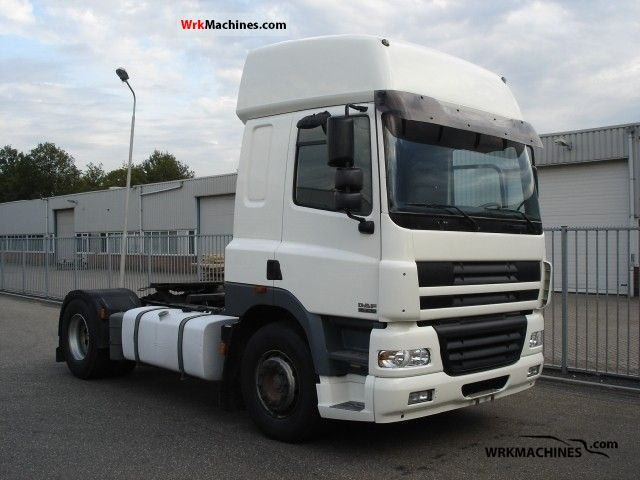 2002 DAF CF 85 85.380 Semi-trailer truck Standard tractor/trailer unit photo