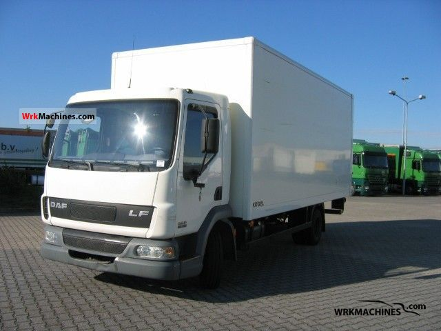 2004 DAF LF 45 45.150 Truck over 7.5t Box photo