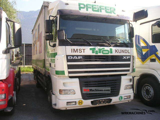 2004 DAF XF 95 95.430 Truck over 7.5t Stake body and tarpaulin photo
