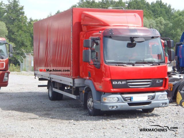 2007 DAF LF 45 45.160 Truck over 7.5t Stake body and tarpaulin photo