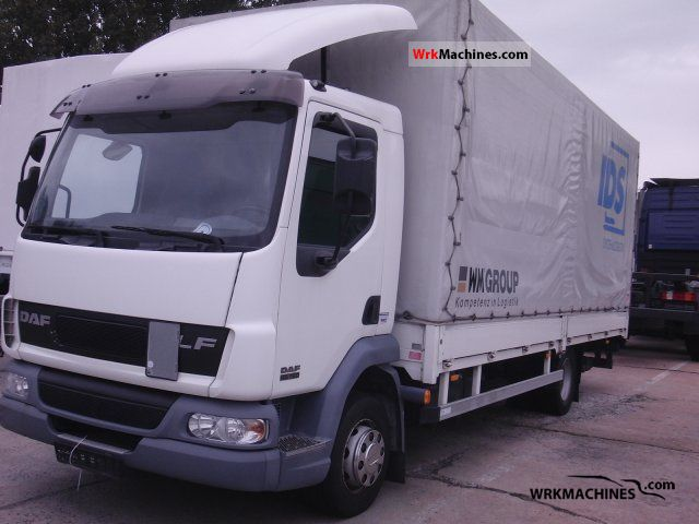 2005 DAF LF 45 45.180 Truck over 7.5t Stake body and tarpaulin photo