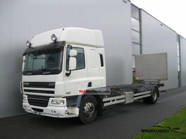 2006 DAF CF 75 75.310 Truck over 7.5t Swap chassis photo