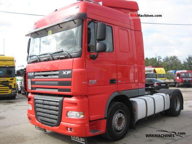 2006 DAF XF 105 105.410 Semi-trailer truck Standard tractor/trailer unit photo