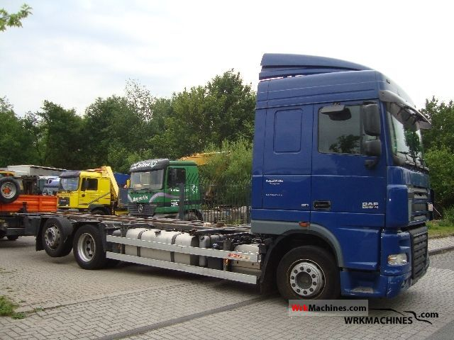 2006 DAF XF 105 105.460 Truck over 7.5t Swap chassis photo