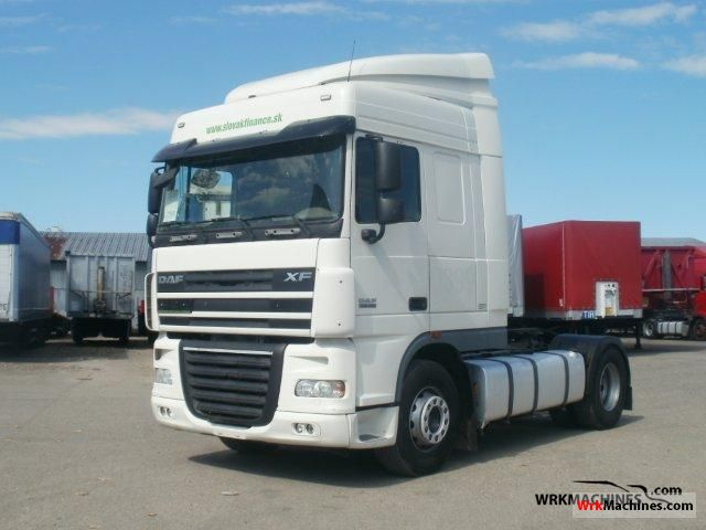 2007 DAF XF 105 105.460 Semi-trailer truck Standard tractor/trailer unit photo