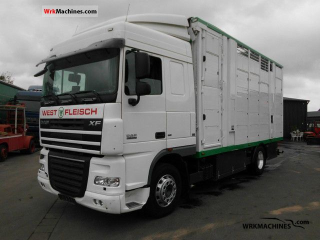 2007 DAF XF 105 105.410 Truck over 7.5t Horses photo