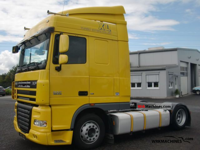 2008 DAF XF 105 105.410 Semi-trailer truck Volume trailer photo