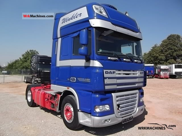 2008 DAF XF 105 105.510 Semi-trailer truck Standard tractor/trailer unit photo