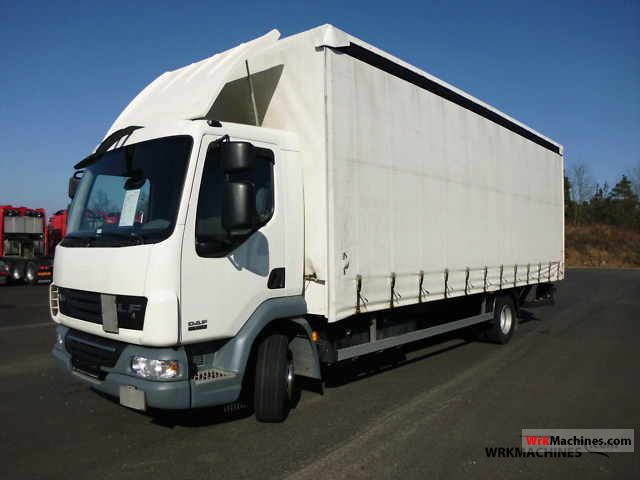 2009 DAF LF 45 45.220 Truck over 7.5t Stake body and tarpaulin photo