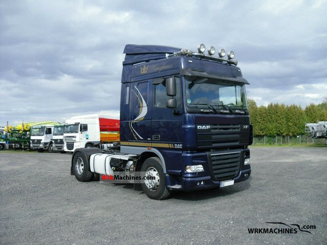 2009 DAF XF 105 105.460 Semi-trailer truck Standard tractor/trailer unit photo