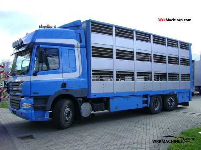 2006 DAF CF 85 85.480 Truck over 7.5t Horses photo