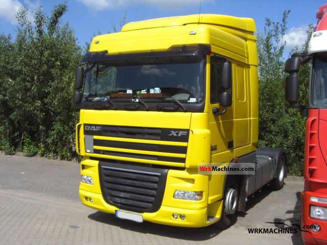 2011 DAF XF 105 105.460 Semi-trailer truck Standard tractor/trailer unit photo