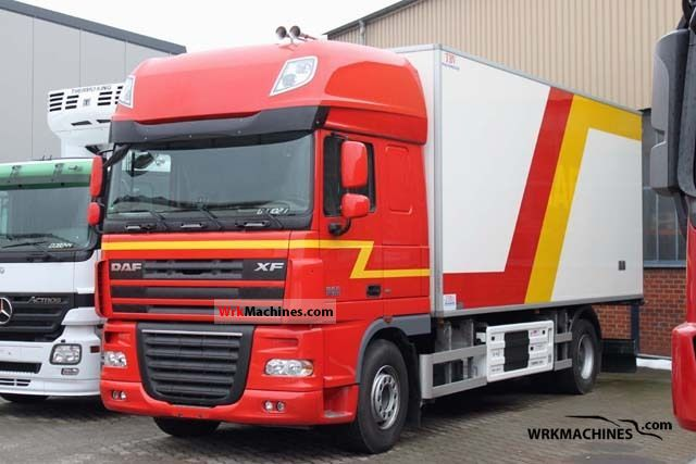 2008 DAF XF 105 105.460 Truck over 7.5t Refrigerator body photo