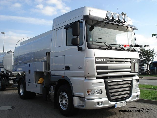 2008 DAF XF 105 105.460 Truck over 7.5t Tank truck photo