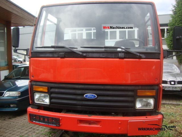 1983 FORD Cargo 0811 Van or truck up to 7.5t Breakdown truck photo