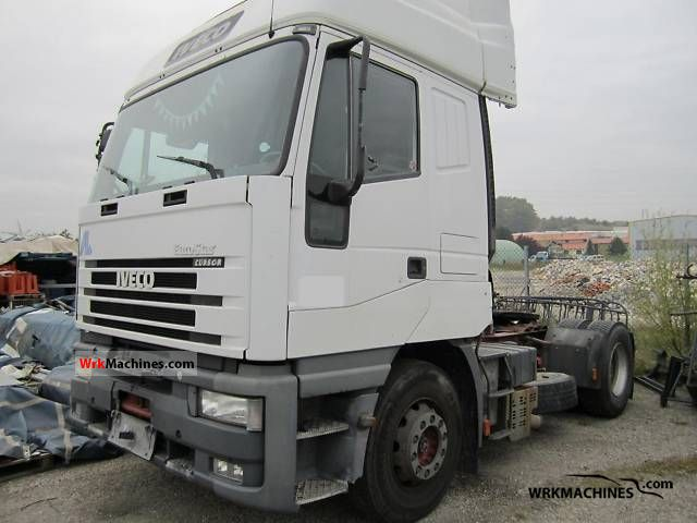 2001 IVECO EuroStar 440 Semi-trailer truck Standard tractor/trailer unit photo