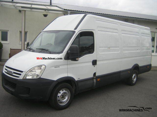 2007 IVECO Daily II 35 S 13 Van or truck up to 7.5t Box-type delivery van - high and long photo