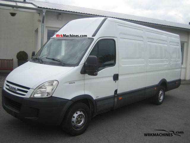 2007 IVECO Daily II 35 S 12 Van or truck up to 7.5t Box-type delivery van - high and long photo
