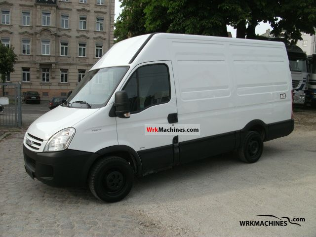 2007 IVECO Daily III 35S14 Van or truck up to 7.5t Box-type delivery van - high photo