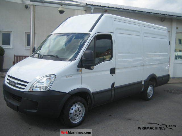 2007 IVECO Daily II 29 L 12 Van or truck up to 7.5t Box-type delivery van - high photo