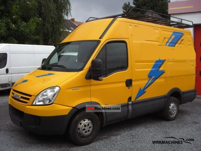 2007 IVECO Daily III 29L14 Van or truck up to 7.5t Box-type delivery van - high and long photo