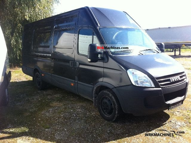 2007 IVECO Daily II 35S10 Van or truck up to 7.5t Box-type delivery van - high and long photo
