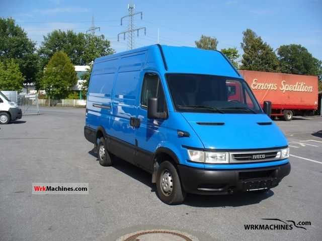 2005 IVECO Daily II 35 S 12 Van or truck up to 7.5t Box-type delivery van photo