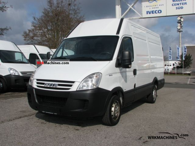 2008 IVECO Daily III 29L12 Van or truck up to 7.5t Box-type delivery van - high photo