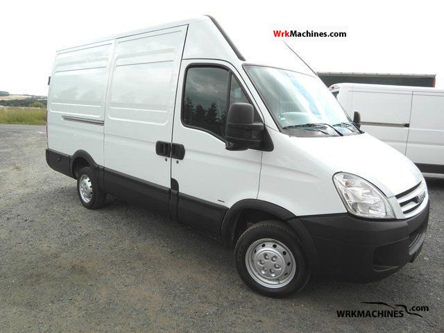 2006 IVECO Daily II 29 L 12 Van or truck up to 7.5t Box-type delivery van - high and long photo