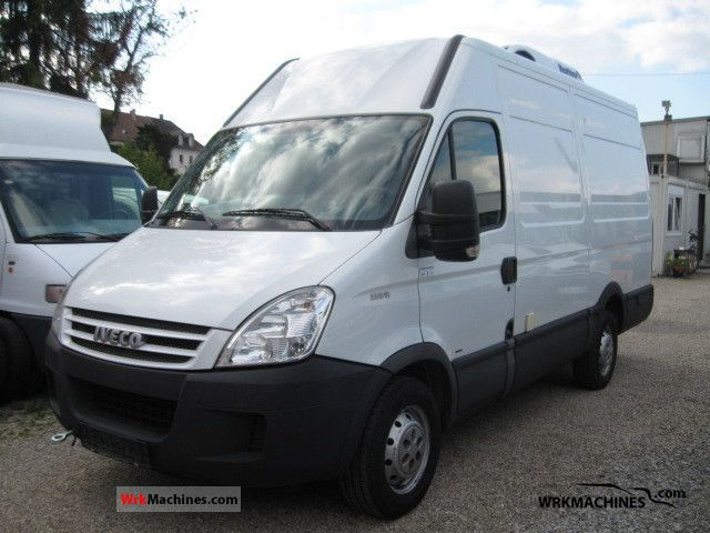 2008 IVECO Daily II 35 S 12 Van or truck up to 7.5t Refrigerator box photo