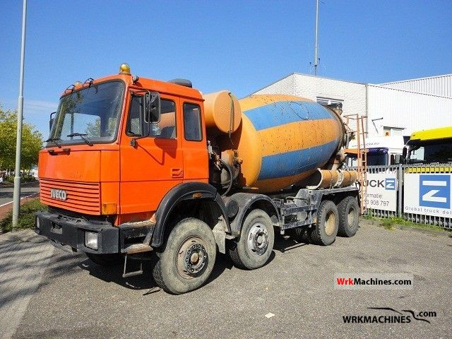 1989 IVECO P/PA 300-30 Truck over 7.5t Cement mixer photo