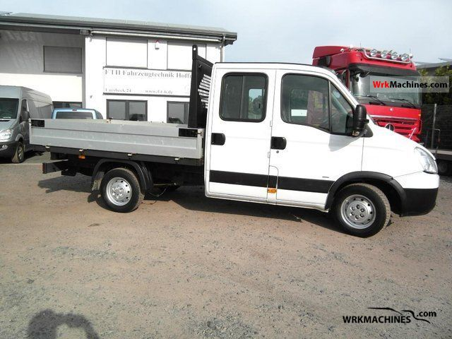 2007 IVECO Daily II 35 S 12 Van or truck up to 7.5t Stake body photo