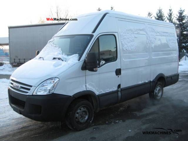 2008 IVECO Daily III 29L12 Van or truck up to 7.5t Box-type delivery van - high and long photo