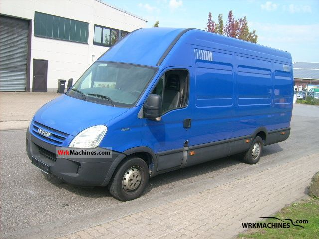 2008 IVECO Daily II 35 S 12 Van or truck up to 7.5t Box-type delivery van - high and long photo