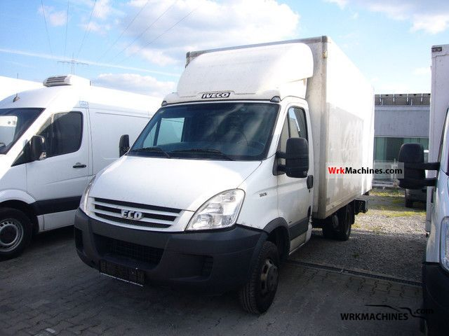 2007 IVECO Daily III 35C15 Van or truck up to 7.5t Box photo