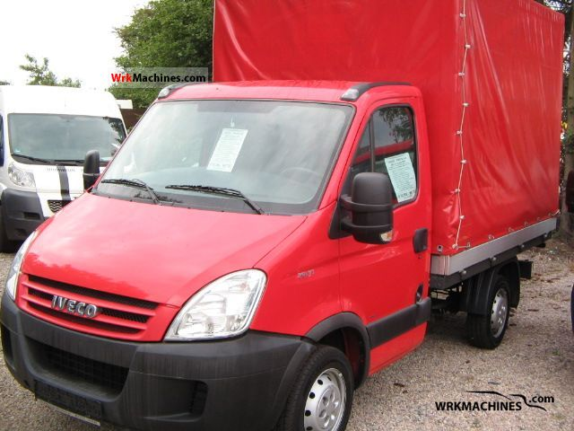 2006 IVECO Daily II 29 L 10 Van or truck up to 7.5t Stake body and tarpaulin photo